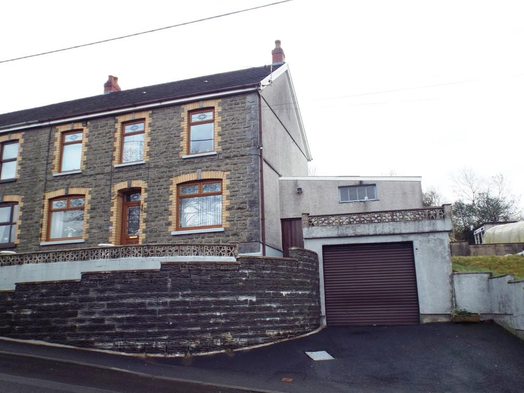 5 Bedrooms Semi Detached House for sale in Gwendraeth Road, Tumble, Llanelli