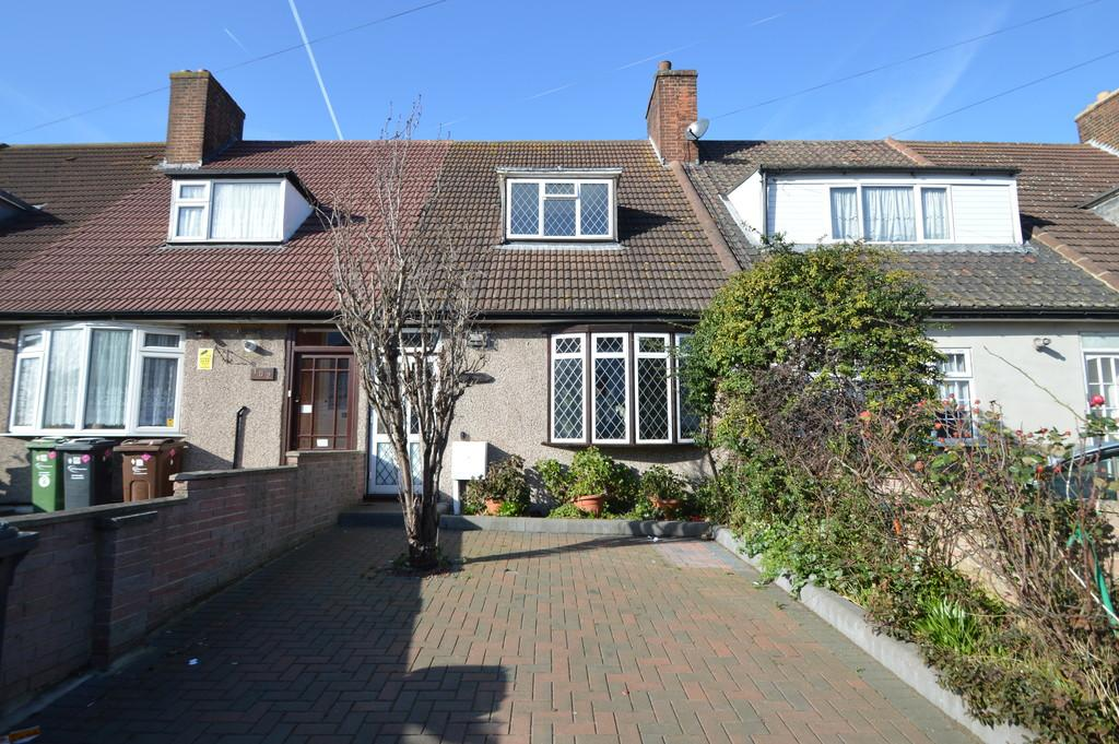 2 Bedrooms Terraced House for sale in Broad Street, Dagenham