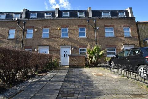 Studio to rent - Sylvan Road, Wanstead