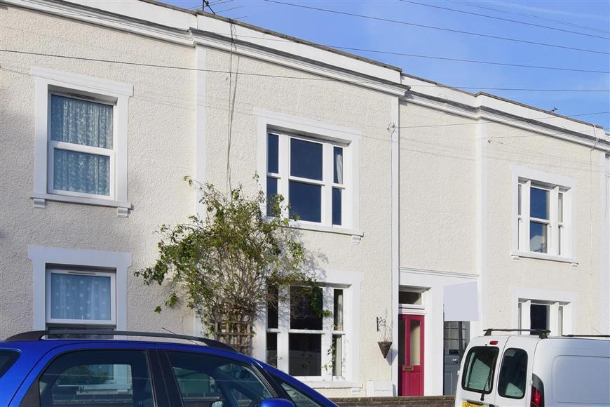 2 Bedrooms Terraced House for sale in Warren Road, Reigate, Surrey