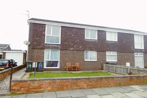 2 bedroom apartment for sale - Langholm Avenue, North Shields, Tyne & Wear, NE29