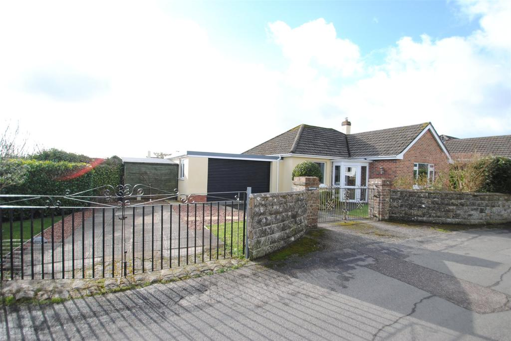 2 Bedrooms Detached Bungalow for sale in Warren Close, Torrington