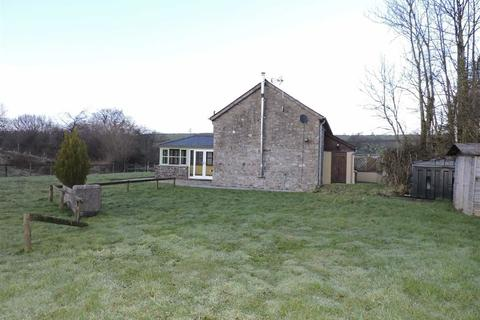 3 bedroom property with land for sale - Rhydargaeau, Carmarthen