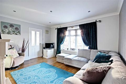 3 bedroom semi-detached house for sale - Hillside Drive, Whitburn
