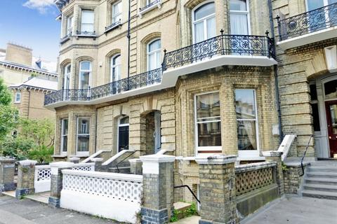 2 bedroom apartment to rent - First Avenue Hove BN3