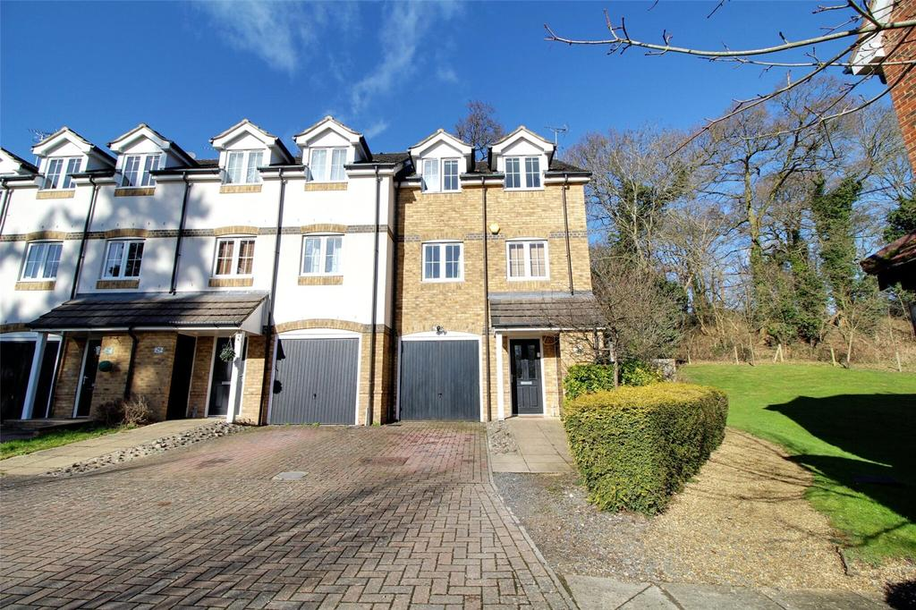 4 Bedrooms End Of Terrace House for sale in Badgers Rise, Woodley, Reading, Berkshire, RG5