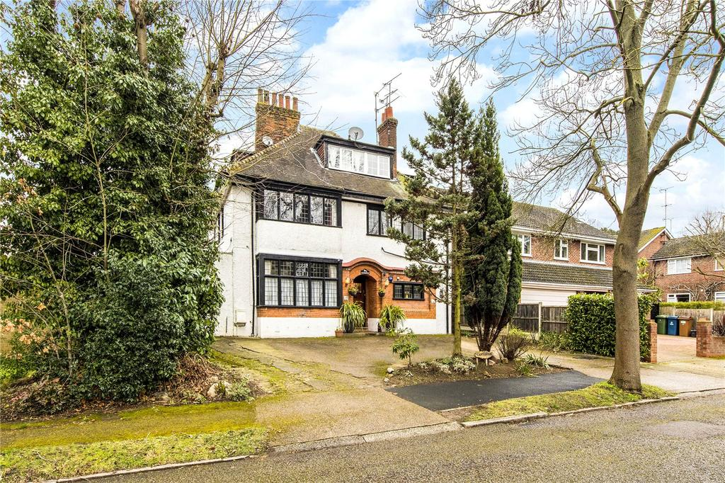 3 Bedrooms Flat for sale in Canterton, Royston Grove, Pinner, Middlesex, HA5