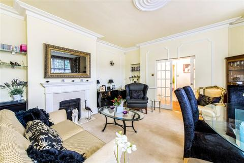 3 bedroom flat for sale - Canterton, Royston Grove, Pinner, Middlesex, HA5