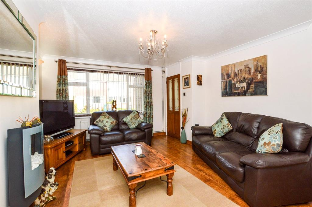 3 Bedrooms Terraced House for sale in Lemonfield Drive, Watford, Hertfordshire, WD25