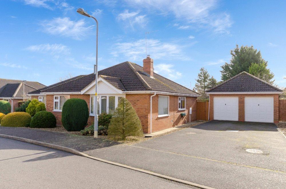 3 Bedrooms Detached Bungalow for sale in Siskin Close, Rippingale, Bourne, PE10