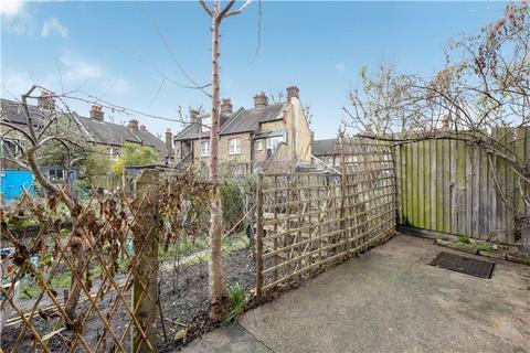 2 bedroom flat for sale - Aylesbury Road, Walworth, London, SE17