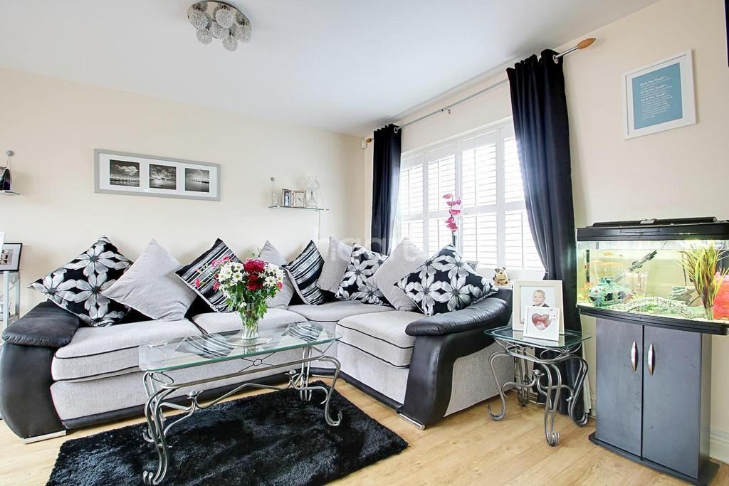 4 Bedrooms Semi Detached House for sale in Greenacres, Bartley Green