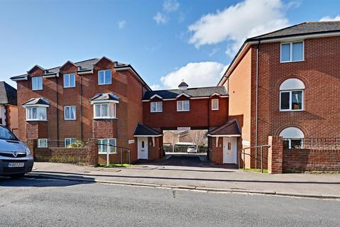 2 bedroom flat for sale - Amherst Road, Bexhill-On-Sea