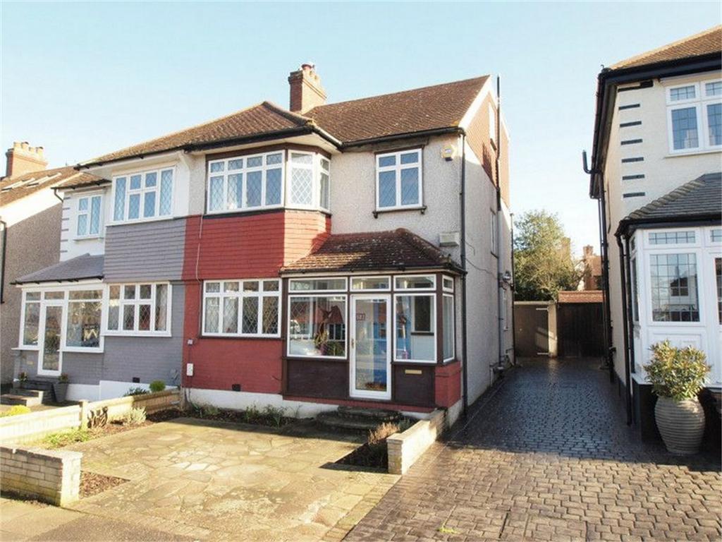 4 Bedrooms Semi Detached House for sale in 13 Bramley Way, West Wickham, Kent