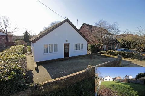2 bedroom detached bungalow for sale - Station Road, Tiptree, Essex