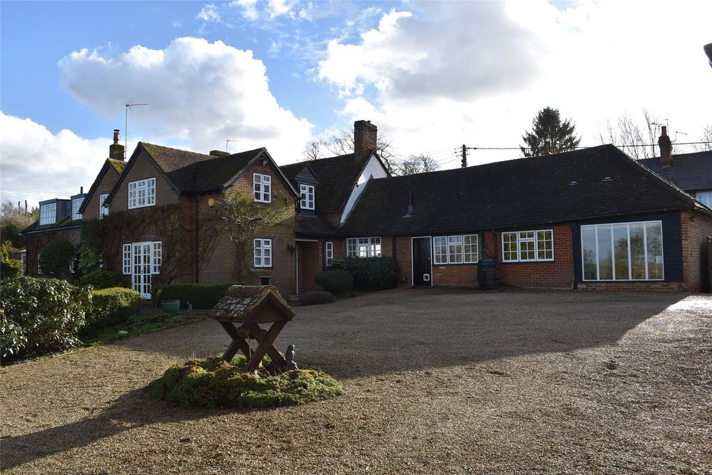 5 Bedrooms Detached House for sale in High Street, Weedon