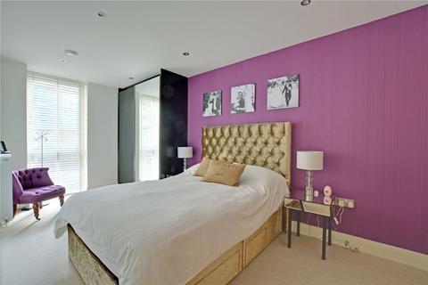 3 bedroom maisonette for sale - Dowells Street, London, SE10