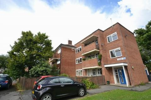 2 bedroom apartment to rent - Rockdove Avenue Hulme. M15 5eh Manchester