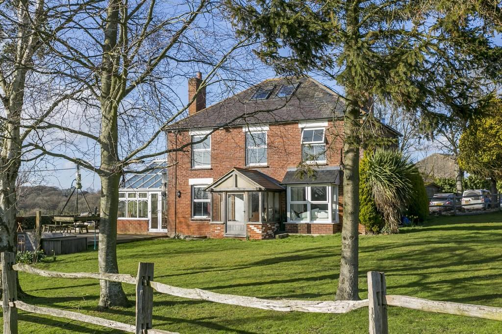4 Bedrooms Detached House for sale in Hammer Lane, Vines Cross