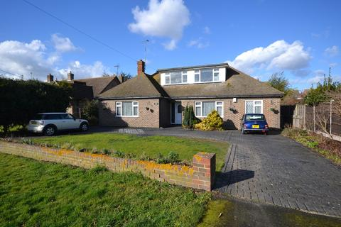 4 bedroom chalet for sale - Southend Road, Stanford-le-Hope, SS17