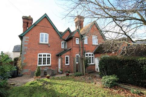 4 bedroom detached house for sale - Church Road, Eardisley, Herefordshire, HR3