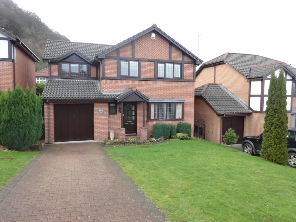 4 Bedrooms Detached House for sale in Bryn Castell, Abergele