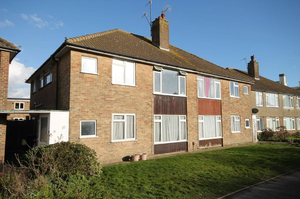2 Bedrooms Apartment Flat for sale in Brougham Road, Worthing BN11 2PJ
