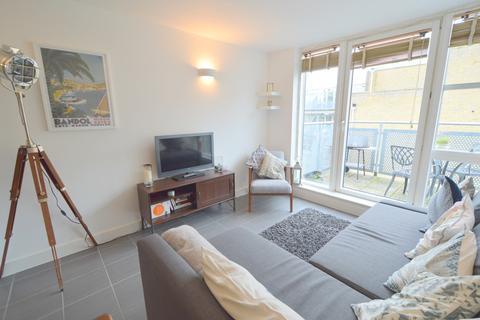 1 bedroom apartment to rent - 32 Isaac Way