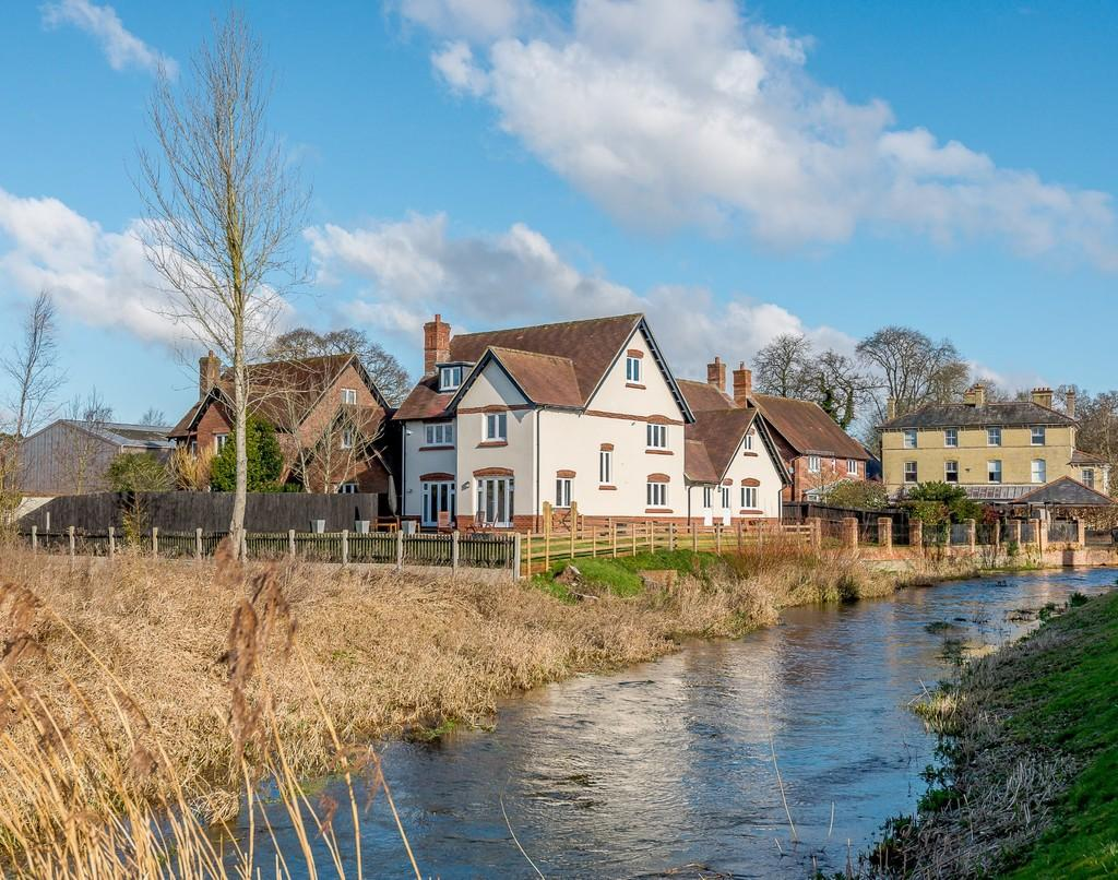 5 Bedrooms Detached House for sale in Witchampton Mill, Wimborne