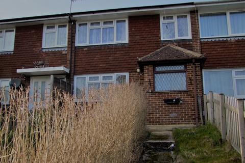 3 bedroom terraced house to rent - Macdonald Road,  Farnham, GU9