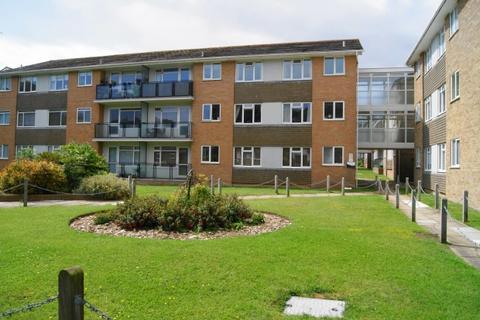 2 bedroom flat to rent - Lustrells Vale,  Saltdean, BN2