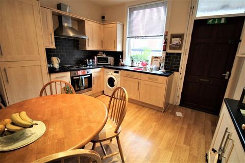 4 bedroom property to rent - Grimthorpe Terrace, Headingley, Leeds, LS6 3JS