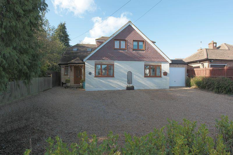 4 Bedrooms Detached House for sale in Old Lane, Crowborough, East Sussex