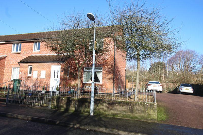 3 Bedrooms Terraced House for sale in St Davids Crescent, Newport