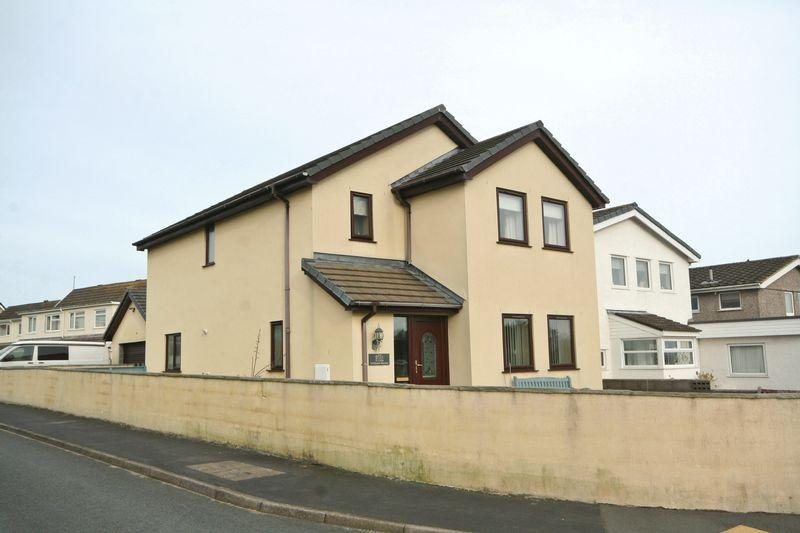 3 Bedrooms Detached House for sale in Valley, Anglesey