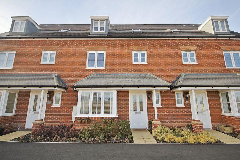 4 Bedrooms Terraced House for sale in Ryder Way, Flitwick