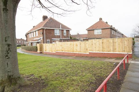 2 bedroom semi-detached house for sale - Barsby Green, Berwick Hills, Middlesbrough TS3