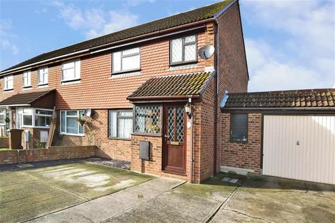 3 bedroom end of terrace house for sale - Stoke Road, Hoo, Rochester, Kent