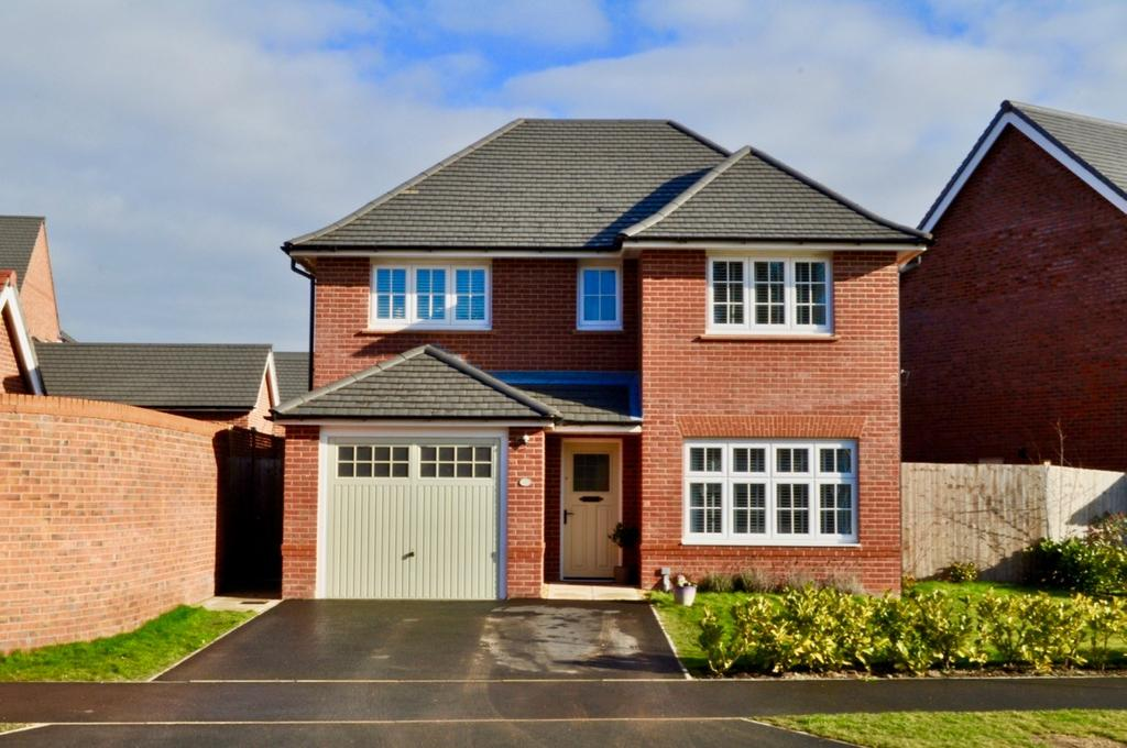 4 Bedrooms Detached House for sale in Woods Road, Hartford, Northwich, CW8