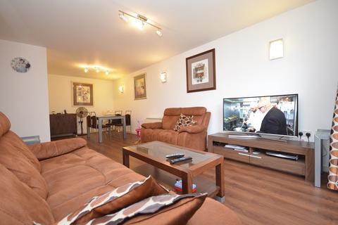 2 bedroom flat to rent - Atlanta Building, Deals Gateway, London