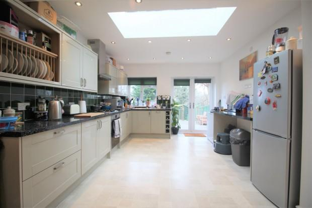 2 Bedrooms Terraced House for sale in Sibthorpe Road, London, SE12
