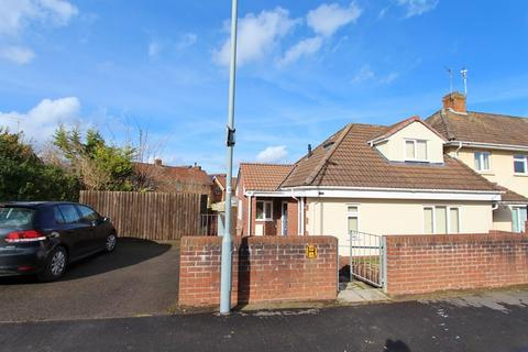 3 bedroom end of terrace house to rent - Cranmore Avenue, Keynsham, Bristol