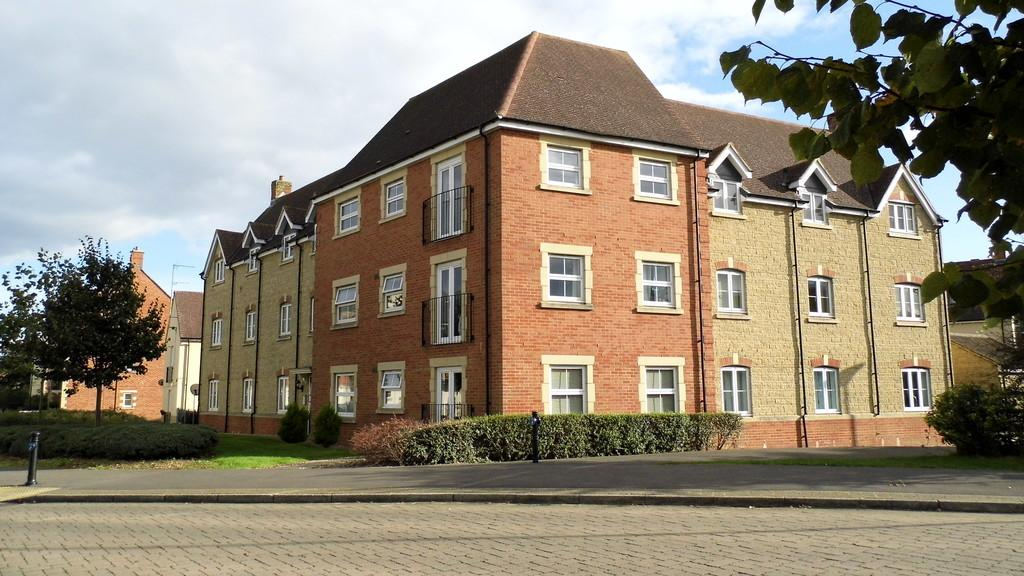 2 Bedrooms Apartment Flat for sale in Aquarius Court, Swindon, Wiltshire, SN25 2LN