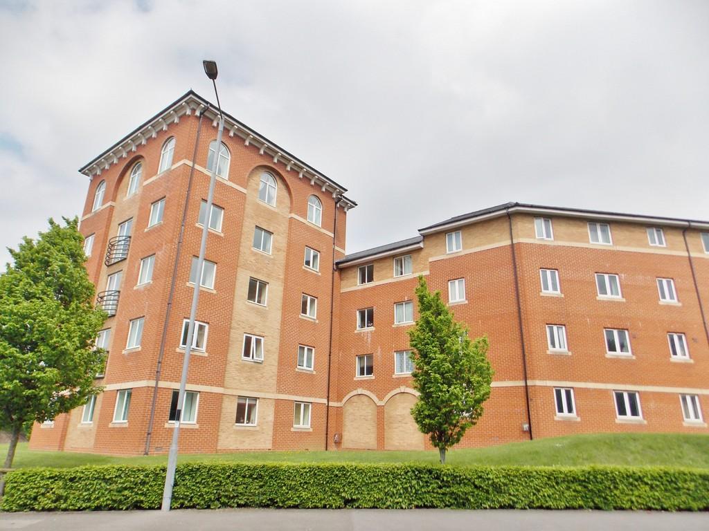 2 Bedrooms Apartment Flat for sale in Saltash Road, Swindon