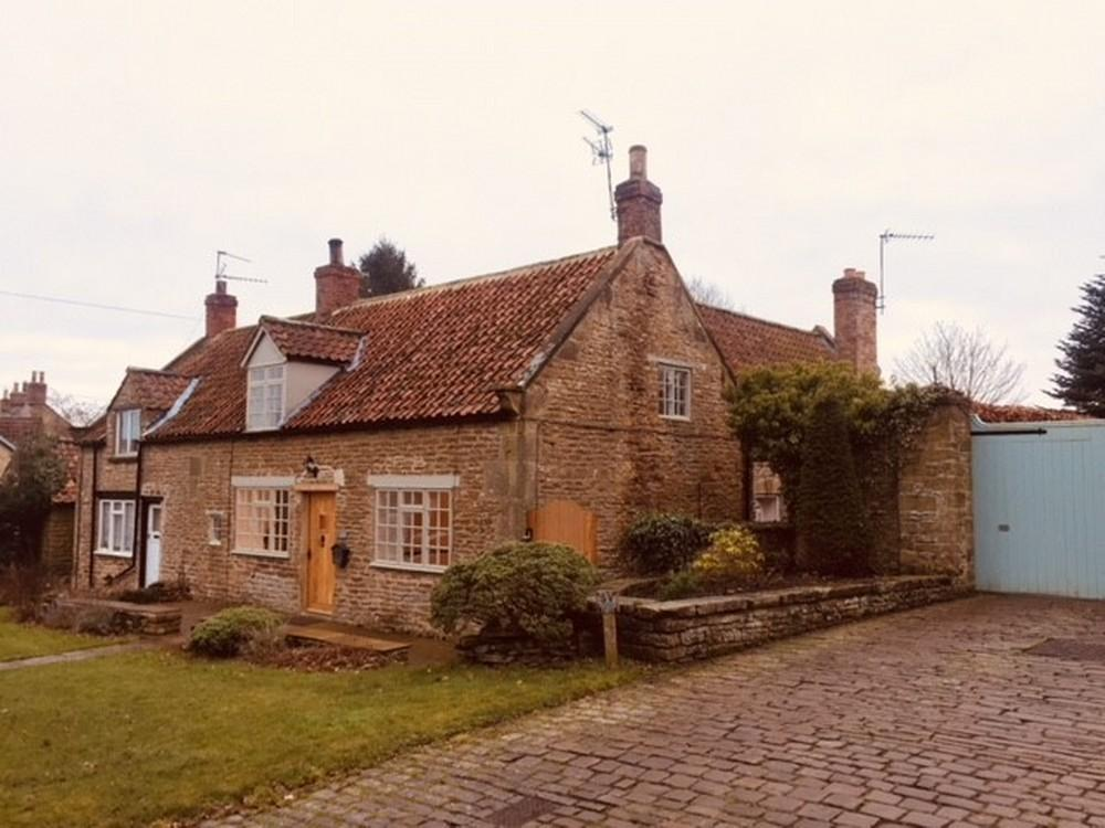 4 Bedrooms Cottage House for sale in Jasmine Cottage, Terrington, YO60 6QB