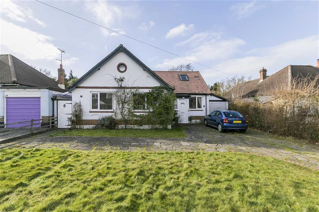 4 Bedrooms Detached House for sale in Waterer Gardens, Tadworth, Surrey
