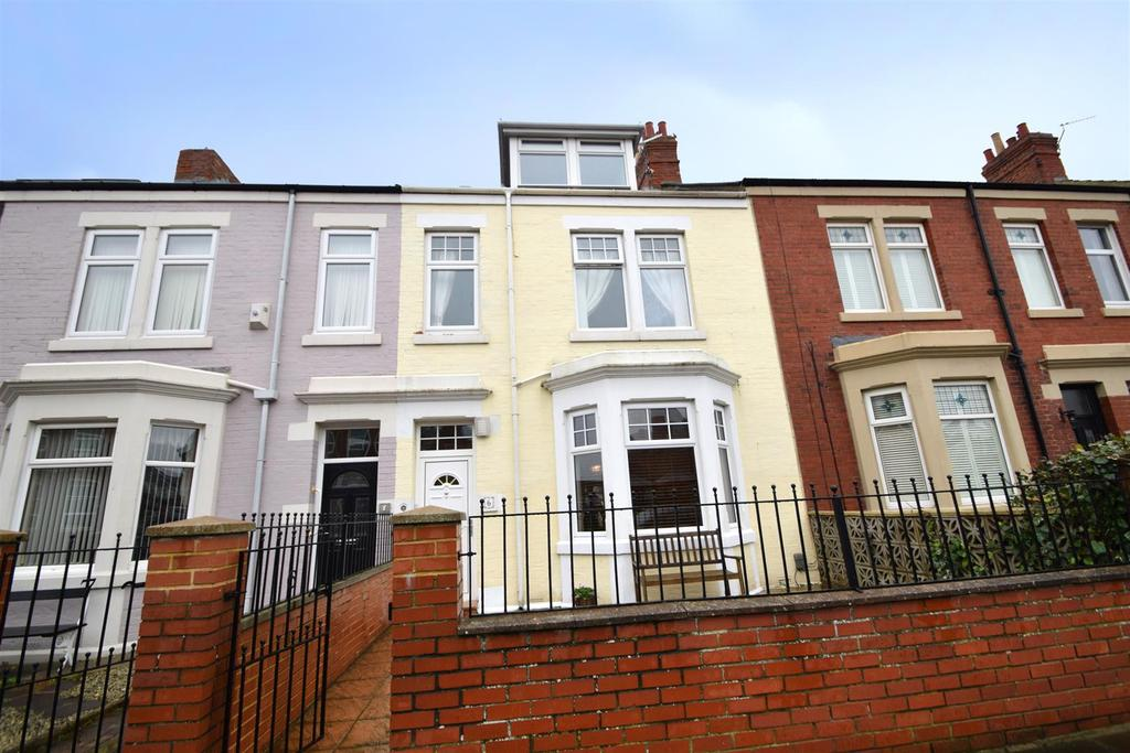 4 Bedrooms Terraced House for sale in Windsor Terrace, Cullercoats