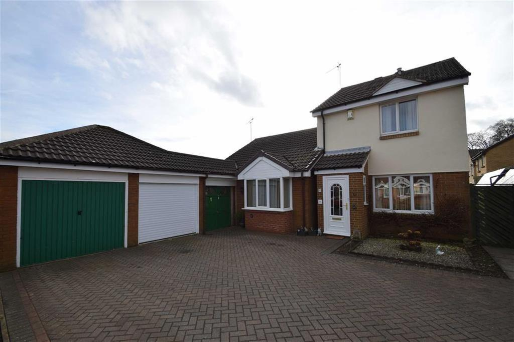 2 Bedrooms Semi Detached House for sale in Wharfedale Drive, Bridlington, East Yorkshire, YO16