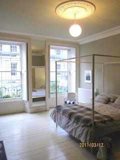 3 bedroom flat to rent - Clarence Street, Edinburgh EH3