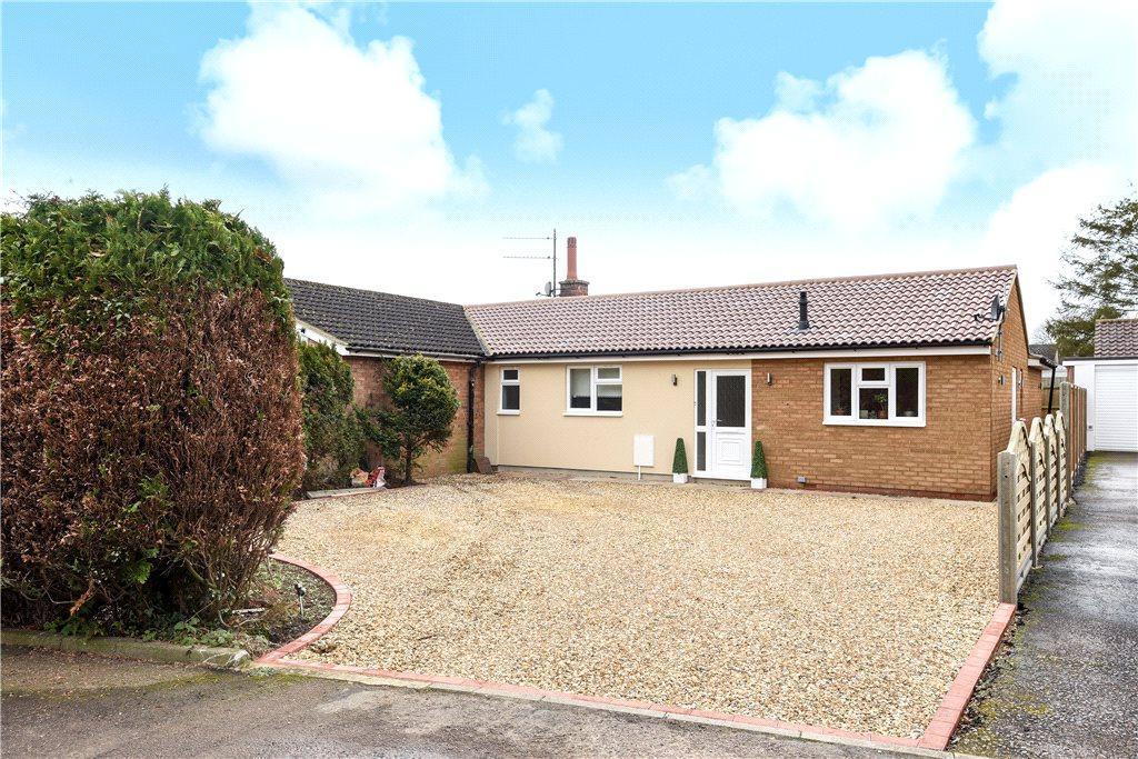 3 Bedrooms Semi Detached Bungalow for sale in Wilden Road, Renhold, Bedford, Bedfordshire